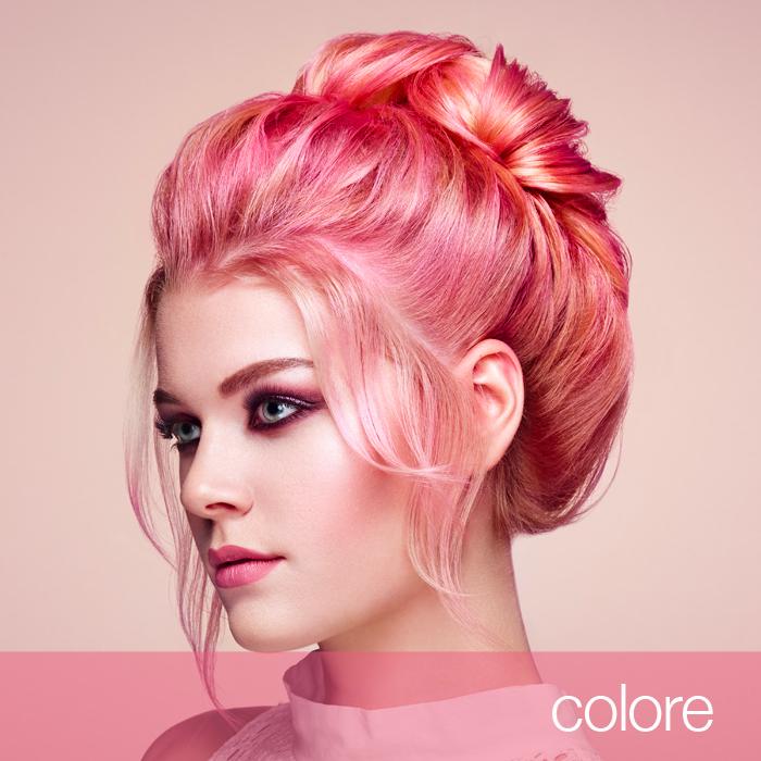Ragazza capelli luminosi colore rosa, prodotti cura capelli